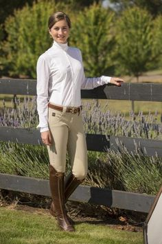 """FITS front zip Kate has the lowest rise of our knee patch styles – about 1"""" lower than our highly popular Beka breech. is still classified as a mid/moderate rise breech. Kate shares all of the features that have made the Beka so popular."""