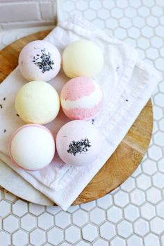 Pretty Homemade Bath Bombs Make Awesome DIY Gift Ideas for Women and Teenage…