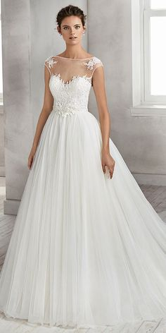 Romantic Tulle Bateau Neckline A-line Wedding Dress With Beaded Lace Appliques & Handmade Flowers