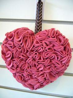 Como hacer un corazon gigante para San Valentin | Todo Manualidades