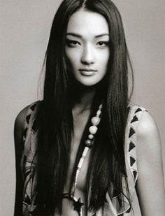 Model beauty Ai Tominaga