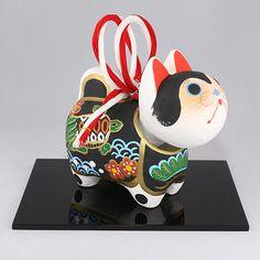Japanese Artwork, Japanese Toys, Protective Dogs, Japanese Mythology, Maneki Neko, Japanese Design, Japanese Culture, Cute Designs, Cat Art