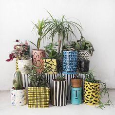 Fun ceramic planters for indoor plants Ceramic Pottery, Pottery Art, Ceramic Art, Painted Plant Pots, Painted Flower Pots, Keramik Design, Decoration Plante, Succulents In Containers, Pottery Designs