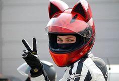 Capacete de moto com orelhas de gato