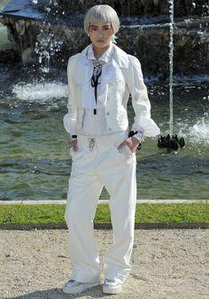 Chanel Cruise 2012-13 in Versailles #ChanelCruiseVersailles Visit espritdegabrielle.com | L'héritage de Coco Chanel #espritdegabrielle