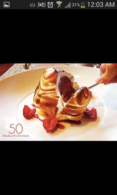 Merengue with a chocolate mousse center