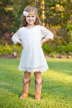 Wedding Country Outfits Flower Girls 21 Ideas For 2019 Flower Girl Outfits, Flower Girl Dresses Country, Girls Lace Dress, Lace Flower Girls, Little Girl Dresses, Girls Dresses, Baby Flower, Smocked Dresses, Lace Dresses