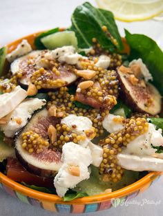 Salad with fresh figs and goat cheese / ensalade de higos frescos y queso de cabra