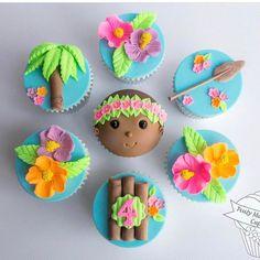 Inspired by my Grandsons favourite movie Cupcakes Moana, Moana Cookies, Moana Cupcake, Beach Cupcakes, Cupcake Day, Hawaiian Cupcakes, Moana Theme Birthday, Birthday Parties, Mohana Cake