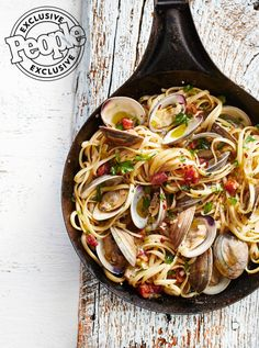 Michael Symon's Linguine with Clams The Chew cohost shares a classic Italian dish from Angeline, his new Atlantic City restaurant in the Borgata Hotel. The Chew Recipes, Fish Recipes, Seafood Recipes, Cooking Recipes, Healthy Recipes, Healthy Food, Cooking Tips, Salad Recipes, Cheap Recipes