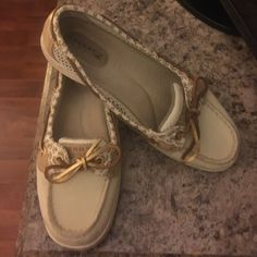 Shoes - Sperry boat shoes