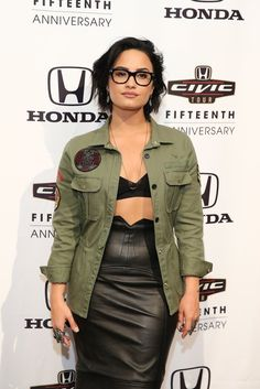 Demi Lovato's Glasses | POPSUGAR Latina
