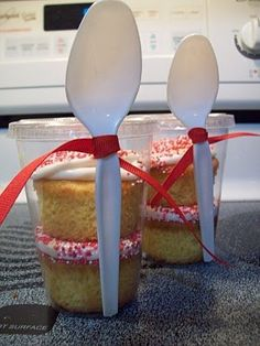 Cupcakes in a to go cup with spoon attached--great idea for bake sale/ fundraisers. pined from https://www.facebook.com/pages/Heavenly-Recipes/400587363353982