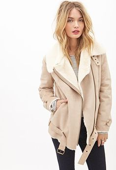 All questions about shearling Jacket are here! Faux Shearling Jacket, Suede Moto Jacket, Sherling Jacket, Faux Fur, Fashion Mode, Look Fashion, Fashion Outfits, Jackets Fashion, Fall Fashion