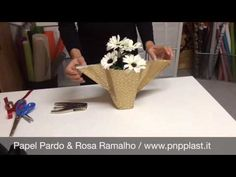 Gift wrapping #wrapflowers - YouTube