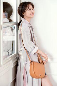 Shin Min Ah, Korean Actresses, Beautiful Asian Girls, Movie Stars, Kdrama, Singer, Style Inspiration, Actors, Photo And Video