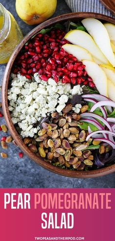 Pear Pomegranate Salad Pear Pomegranate Salad is a quick and easy healthy recipe perfect for the holidays! This fresh green salad has pears, pomegranate, pistachios, red onion, and blue cheese. Make this easy healthy meal for your Christmas dinners! Chicken Salad Recipes, Healthy Salad Recipes, Healthy Chicken, Pomegranate Recipes Healthy, Fresh Salad Recipes, Pomegranate Salad, Fruit Salad, Spinach Salad, Egg Salad