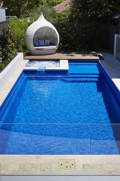 Medium Size Swimming Pools Diy Swimming Pool, Fiberglass Swimming Pools, Swiming Pool, Swimming Pool Designs, Pool House Designs, Pool Landscaping, Backyard Pools, Pool Water Features, Pool Toys
