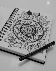 Here are some easy Mandala design and drawing on canvas ideas for therapy and inner healing. Doodle Art Drawing, Mandalas Drawing, Zentangle Drawings, Cool Art Drawings, Pencil Art Drawings, Art Drawings Sketches, Zentangle Art Ideas, Doodles Zentangles, Tattoo Sketches