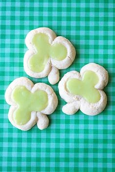 Shamrock Thumb Print Cookies