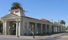 Redlands Inland Empire day trip things to do and see. Spend a day exploring historic Victorian homes,antique shops. Pick up a trail map of Redlands or take a guided tour.