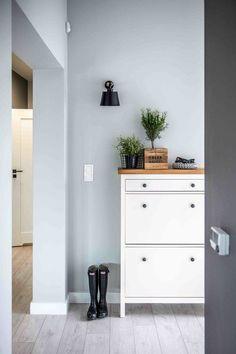 IKEA Hemnes Schuhschrank mit Holzplatte: