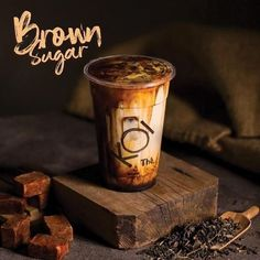 Classic favorites with a dash of adventure. The Brown Sugar Series is now available at Mal Taman Anggrek level Bubble Tea Shop, Bubble Milk Tea, Coffee Menu, Coffee Poster, Wan Tan, Bubble Tea Supplies, Bubble Drink, Boba Drink, Drink Photo