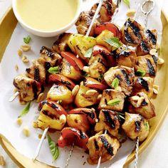 Brochettes de poulet ananas et poivron à la thaïe Thai Chicken, Salad Ingredients, Avocado Salad, How To Cook Quinoa, Summer Recipes, Pasta Salad, Barbecue, Entrees, Chicken Recipes