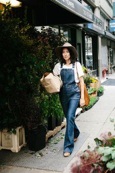 madewell tflea market flare overalls, white slub crewneck tee + madewell & biltmore® floppy felt fedora worn by florist lisa przystup at a morning visit to the flower markets in new york city. #everydaymadewell #denimmadewell
