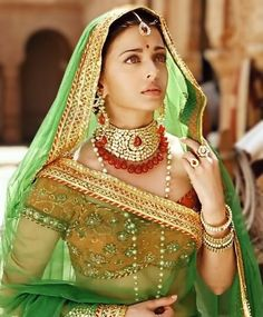 Aishwarya Rai Jodha Akbar, Mughal Miniature Paintings, Indian Bridal Outfits, Marble Art, Pure Beauty, Bollywood Fashion, Princess Zelda, Saree, Pure Products