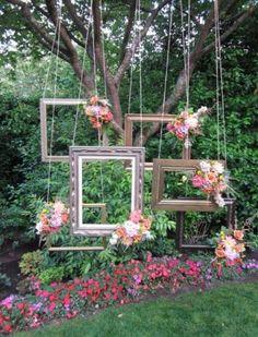 Vuoi un'idea originale e divertente per il tuo Matrimonio? Ti presento il Photobooth! E' un modo nuovo per coinvolgere i propri ospiti con faccine e p...