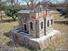 Basílica de Santa Lucía del Trampal de Alcuéscar Santa Lucia, Arch, Outdoor Structures, Outdoor Decor, Garden, House, Home Decor, Francisco Pizarro, Parks