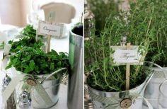 Matrimonio erbe aromatiche - proposta decorazione centrotavola con vasi zinco