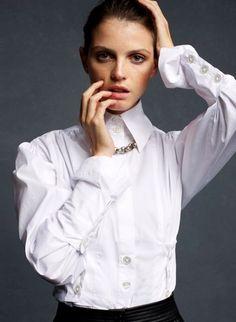 High-collar white shirt