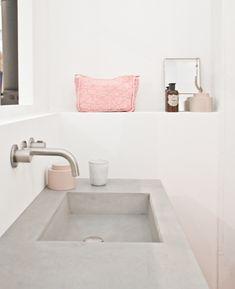 cement sink - gosto da torneira e dos misturadores, e do resto todo branco.