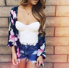 Floral print kimono cardigan and sweet heart neckline white shirt with shorts