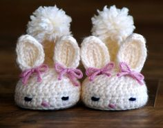 Delicadezas en crochet Gabriela: Escarpines conejitos