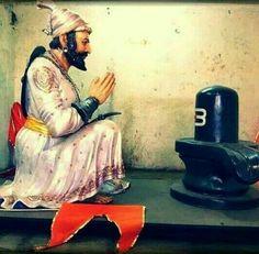 Chhatrapati shivaji maharaj Historical Quotes, Historical Pictures, Shivaji Maharaj Painting, King Of India, Shivaji Maharaj Hd Wallpaper, Inspirational Quotes Wallpapers, Lion Wallpaper, King Photo, Great King