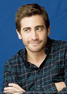 Mais fotos de Jake Gyllenhaal na conferência de imprensa de Love & Other Drugs em Nova York:. Gyllenhaalic's .: Novembro 2010