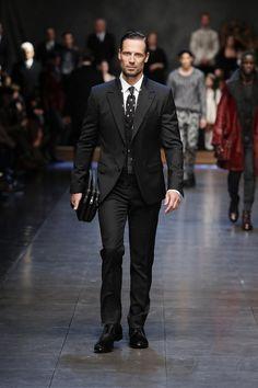 Custom madesize and color, two button groom dress, beige best male suit, best man / bridegroom wedding jacket + pants + tie + ve