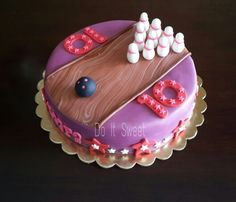 1000 Ideas About Bowling Birthday Cakes On Pinterest