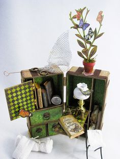 CackleAndHoot: The Lepidopterist Explorer - A mini SteamTrunk diy project found at http://cackleandhoot.blogspot.com/2015/05/the-lepidopterist-explorer.html