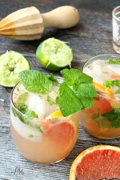 Champagne Grapefruit Mojito, the perfect mix of sweet and sour kicked up with your favorite rum, this fruity cocktail recipe will become your favorite. Mojito Cocktail, Fruity Cocktails, Summer Cocktails, Refreshing Drinks, Sangria, Yummy Drinks, Mojito Drink, Healthy Cocktails, Juice Drinks