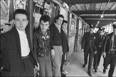 PHOTO:The Cure gets caught on Columbus Ave, NYC 1980
