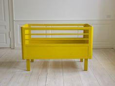 Aqua and yellow - great match