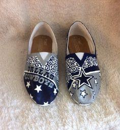 Custom painted Dallas Cowboys shoes-Toms