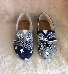 Hey, I found this really awesome Etsy listing at https://www.etsy.com/listing/167681454/custom-painted-dallas-cowboys-shoes-toms