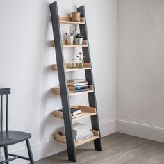 Keep your home organised in contemporary style with the Walcot Shelf Ladder. Mixing the traditional bookcase with striking open sides and painted legs, it provides you with a striking and practical piece for the home. Designed with six Oak shelves, the le