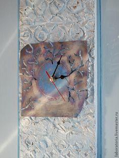 """Купить Часы из виниловой пластинки """"День"""" - голубой, авторская ручная работа, креатив"""