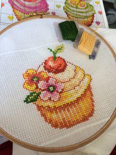 Crossstitch etamin kanaviçe pano cupcake masaörtüsü